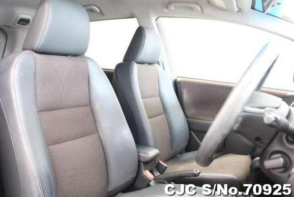 Honda Fit Shuttle Silver 2011