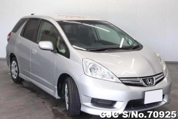 Honda Fit Shuttle Silver 2011