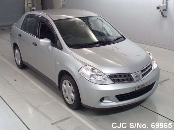 Nissan Tiida Latio Automatic 2011