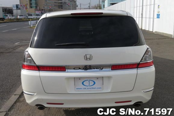 Honda Odyssey-Shuttle White 2007